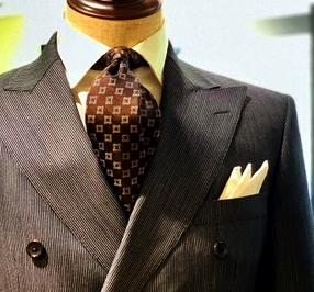 グレー茶スーツ
